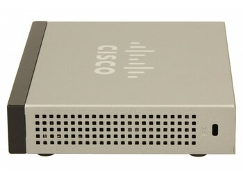 Cisco SB SF100D-08P switch L2 8x10/100 PoE Desktop